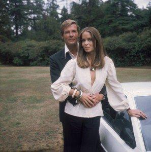 Roger Moore et Barbara Bach