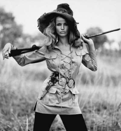 veruschka-in-safari-suit