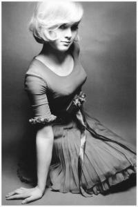 sylvie-vartan-photo-by-jeanloup-sieff-paris-1965